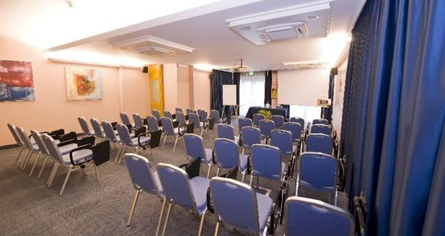 5 meeting rooms for your events and speech in Catania